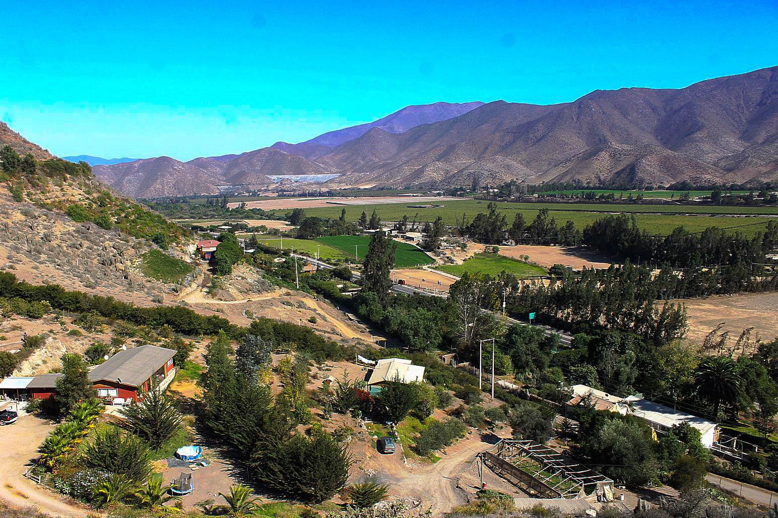 Terreno de 6 hectáreas y dos casas, sector Marquesa en el Valle del Elqui. 10.000 UF