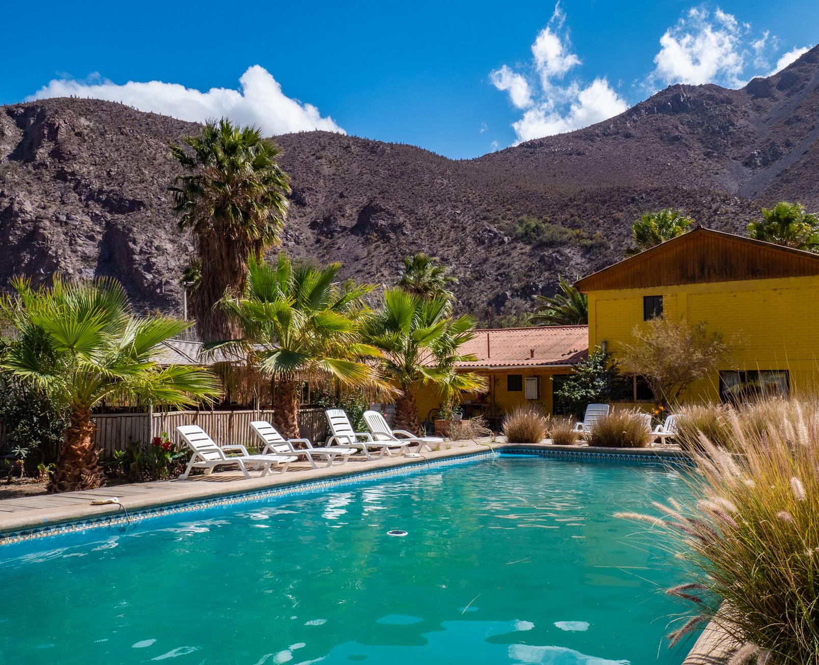 Parcela con linda casa, piscina, quincho y cabaña en el Valle del Elqui. $370 millones